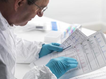 evidence bag: Forensic science LANG_EVOIMAGES
