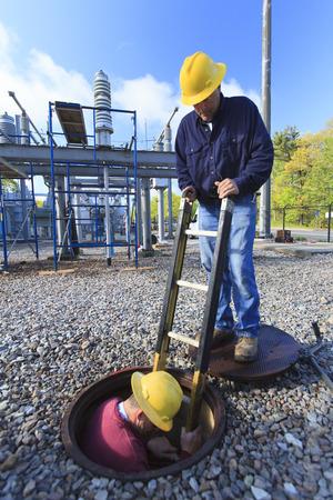 electric grid: Power engineers at work