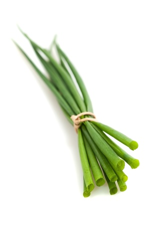cebollin: Cebollino montón aislados en blanco