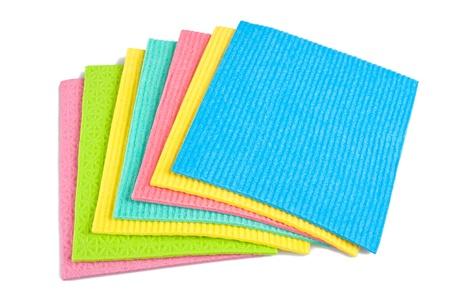 celulosa: toallitas de limpieza aislados en blanco