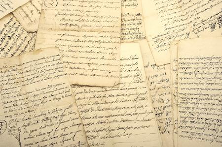 Pila de viejos manuscritos de época