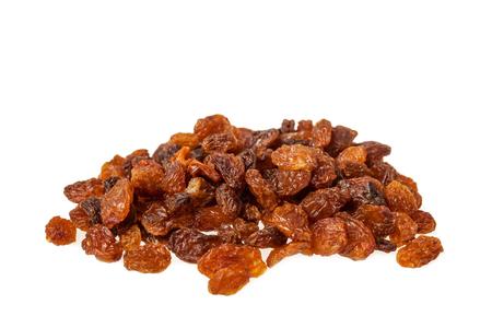 Tas de raisins secs Sultana isolé sur fond blanc