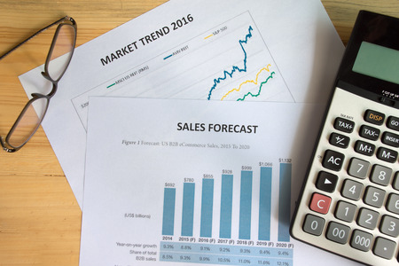 cuadro sinoptico: ventas de contabilidad financiera pronosticar análisis gráficamente Foto de archivo