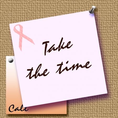 cancer de mama: nota recordatorio de la cinta de color rosa con tachuelas a la ilustraci�n de tabl�n de anuncios Foto de archivo