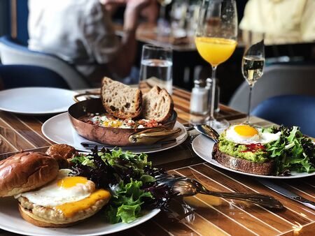 brown breads and sunny side up egg Banque d'images