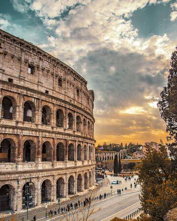 roman coliseum 7-wonders