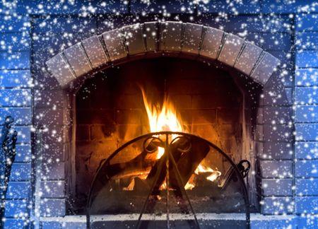camino natale: Bel camino in giorno d'inverno freddo