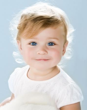 baby gesicht: Portrait von sehr s��en kleinen Kindes
