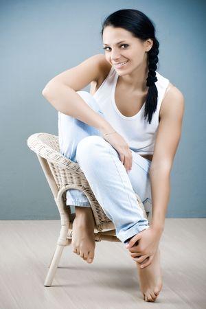 pies sexis: Retrato de ni�a hermosa sonriente