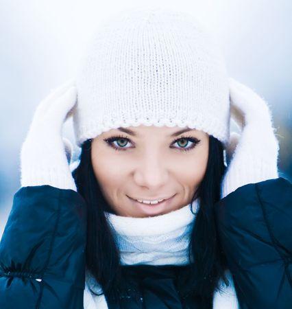 the mittens: Retrato de detalle de la hermosa joven sonriente  Foto de archivo