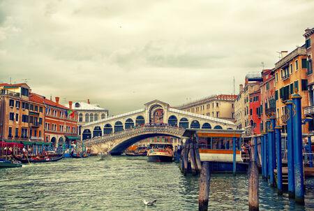 rialto bridge: Rialto bridge on Grand canal, Venice, Italy
