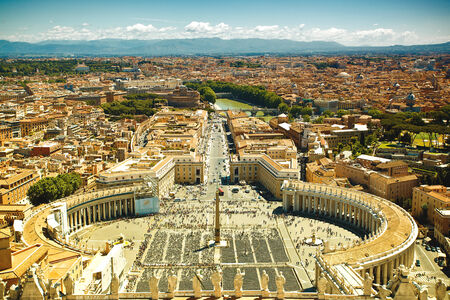 vicinity: View to Saint Peters Square, Vatican, Rome, Italy