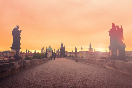 praha: Charles bridge at dawn, Prague, Czech Republic Stock Photo