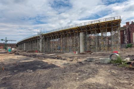 Der Bau der Unterführung auf der historischen Werft Lenin in Danzig, Polen Standard-Bild - 21750301