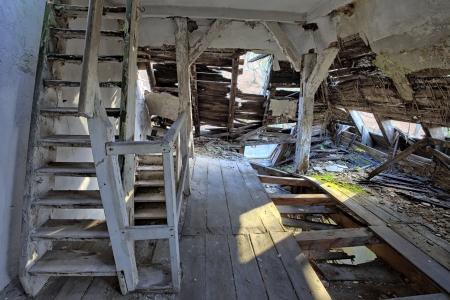 Das Gebäude Freimaurerloge in Trümmern, Gdansk - Polen Standard-Bild - 23560039