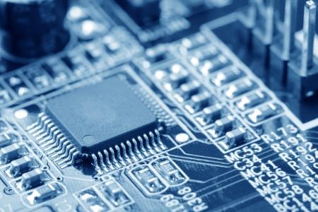 manufactura: primer plano de la placa de circuito electr�nico con procesador