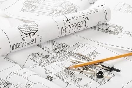 dibujo tecnico: indastrial plano de detalle y varias herramientas de dibujo