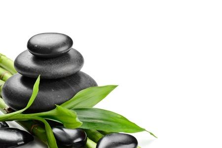 piedras zen: zen piedras de basalto y de bamb� en el blanco