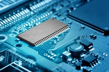circuitos electronicos: primer plano de la placa de circuito electr�nico con procesador