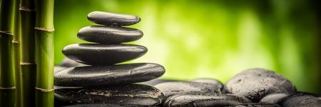 Zen basalt stenen en bamboe Stockfoto - 39193997