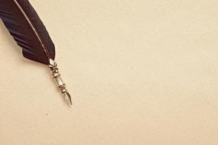 古い紙と万年筆