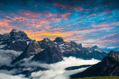 famous Italian National Park Tre Cime di Lavaredo. Dolomites, South Tyrol.  Auronzo 스톡 콘텐츠