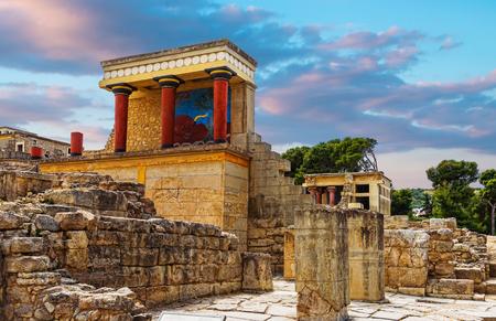 クレタ島、ギリシャの Knoss palase