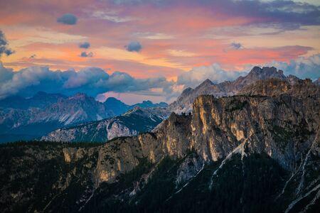 ドロミテ Alps.Italy の夕日 写真素材