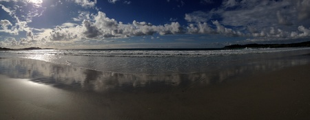 carmel: Panorama de las olas rompiendo en la playa de Carmel