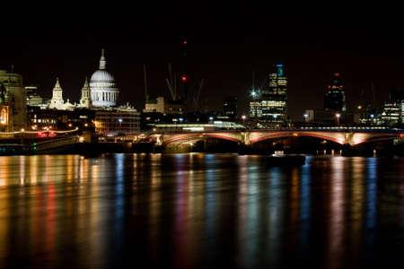 london landmark: London Skyline