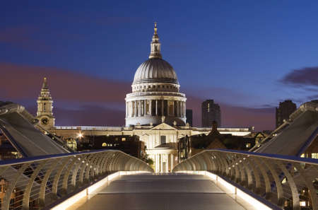 historical landmark: Bridge to St. Pauls in London Stock Photo
