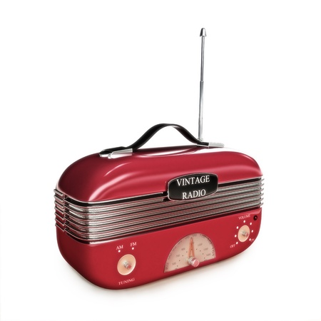 transistor: Radio retra de la vendimia en un fondo blanco