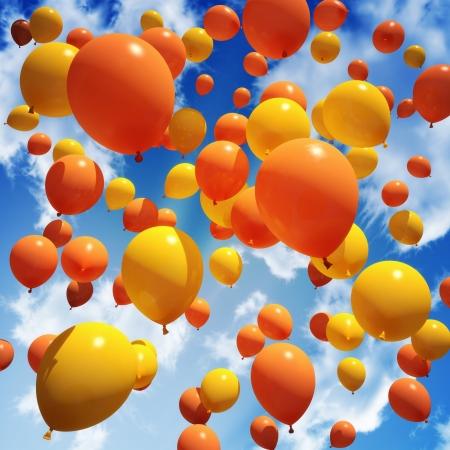 Balloon s rilasciato nel cielo Archivio Fotografico