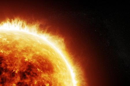 Hořící slunce na vesmírné černém pozadí s prostorem pro text nebo kopírování prostor