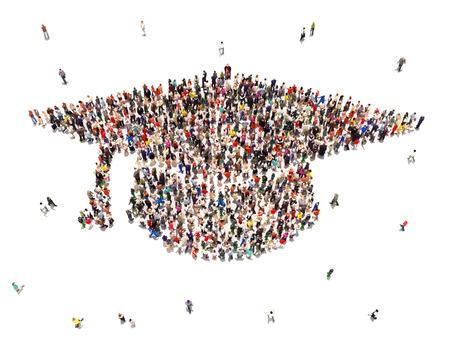 教育: 人們在白色背景上接受教育大群人在畢業帽的形狀 版權商用圖片