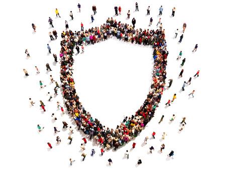 schutz: Menschen immer Sicherheit oder Schutz. Große Gruppe von Menschen in der Form eines Schildes mit Platz für Text oder Kopie Raum isoliert auf weißem Hintergrund.
