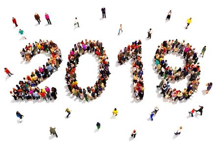 新年を迎える白い背景に新年のコンセプトを祝う2019年の形を形成する人々の大規模なグループ。3D レンダリング 写真素材