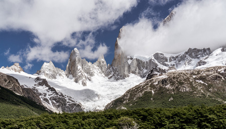 Views along the trail of Laguna de los Tres to Mt. Fitz Roy
