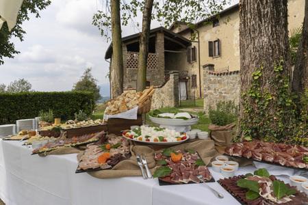 Outdoor banquet Italian villas