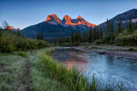 canmore: Three Sisters Sunrise
