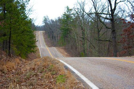 농촌 고속도로의 측면입니다.