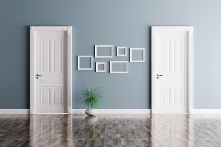 Interieur van een kamer met twee klassieke deuren en kozijnen Stockfoto