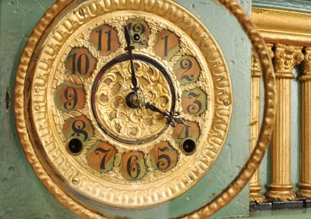 Antique Mantle clock face detail, slight oblique view. Imagens - 2607440