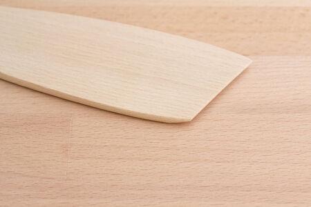 Drewniana szpatułka na deskę