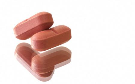 Dwie tabletki na lustrze
