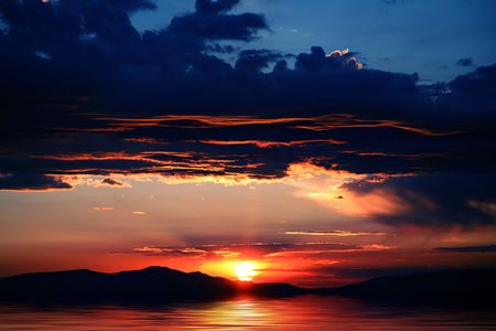 Beautiful mountains with spectacular sunrise or sunset at Lake Tahoe in California and Nevada Stok Fotoğraf - 861220