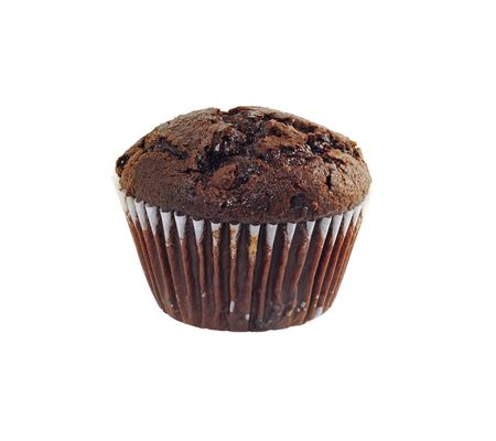 magdalenas: Chocolate muffin aislado sobre fondo blanco  Foto de archivo