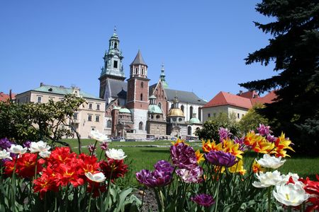 cracow: Wawel castle and garden