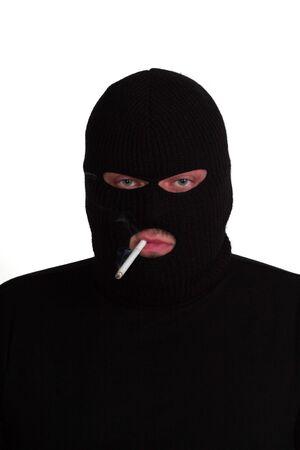 hijacker: Penal serie 4 - conman fumar un cigarrillo