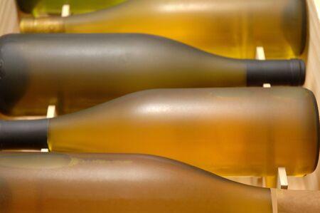 4 ボトル ワイン箱水平 写真素材